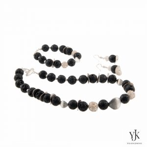 Amora Lava & Silver Jewelryset-Jewelryset made of lava beads and sterling silver disks.