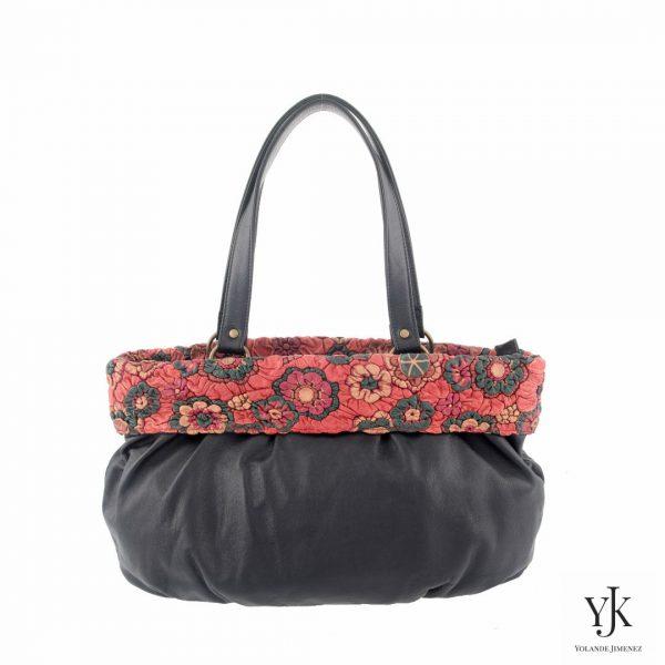 Florita Leather Shoulderbag-Schoudertas zwart leer met rode decoratie rand.