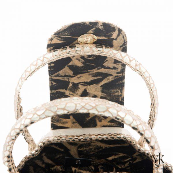 Serena Handbag Gold-Handtas van Capiz met handbeschilderde voering.