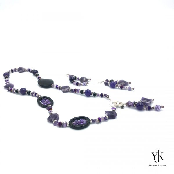 Amora Puple Amethyst & Black Agate Jewelryset- Jewelry set with long necklace in purple amethyst and black agate.