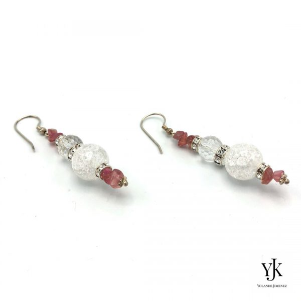 Amora Rose & Cherry Quartz Earrings- Oorbellen met roze kwarts, bergkristal en strass.