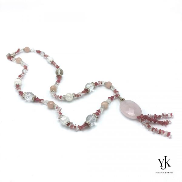 Amora Rose & Cherry Quartz Necklace Long- Lange ketting met roze kwarts, bergkristal en strass.