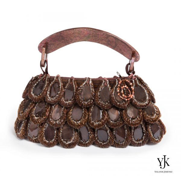Mariposa Evening Bag Brown-Avondtas van bruin parelmoer en satijn.