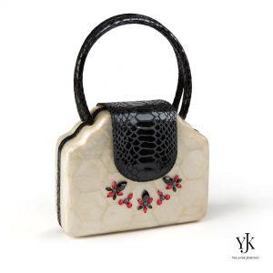 Serena Scallop Capiz Handbag Black Swarovski-Tas van Capiz , Swarovski en zwart leer.